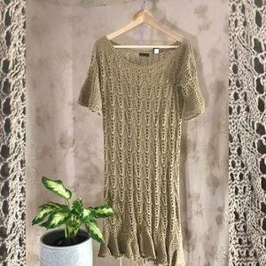 Moda crochet dress.